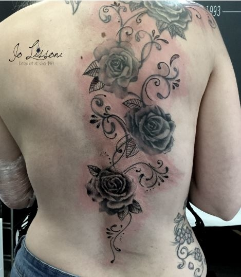 tattoo realistico fiori - tattoo rose Jo Lissoni